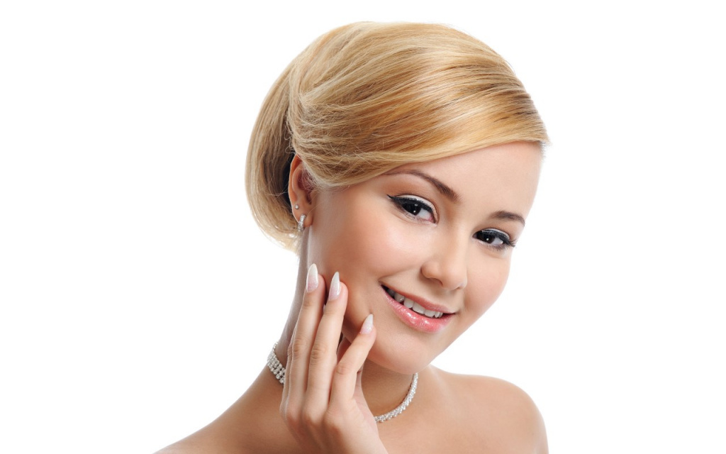 Рекомендуемый макияж для круглого лица