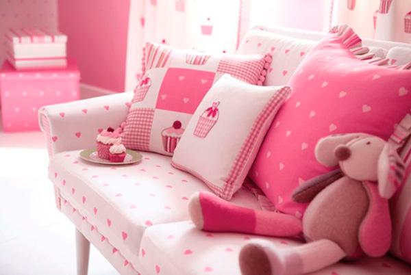 «Сочные» подушки украсят комнату любой принцессы