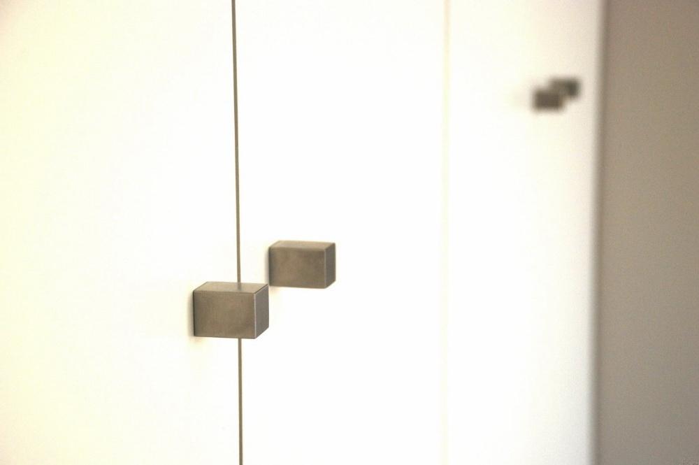 Ручка-кнопка мебельная