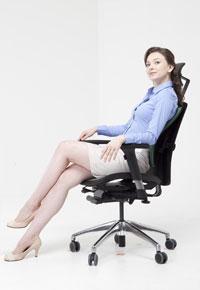 Правильная осанка в креслах DUOREST ALPHA