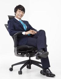 Изменение угла наклона спинки в креслах Duoflex Mesh