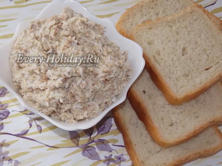 Простая и быстрая закуска - паштет из рыбной консервы