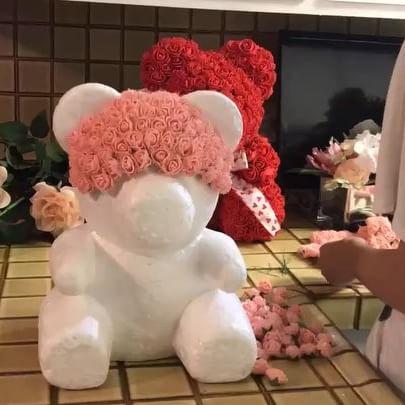 медведь из роз