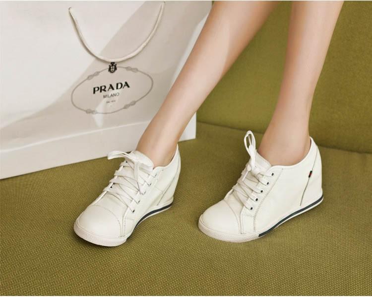 women sneakers 12-1