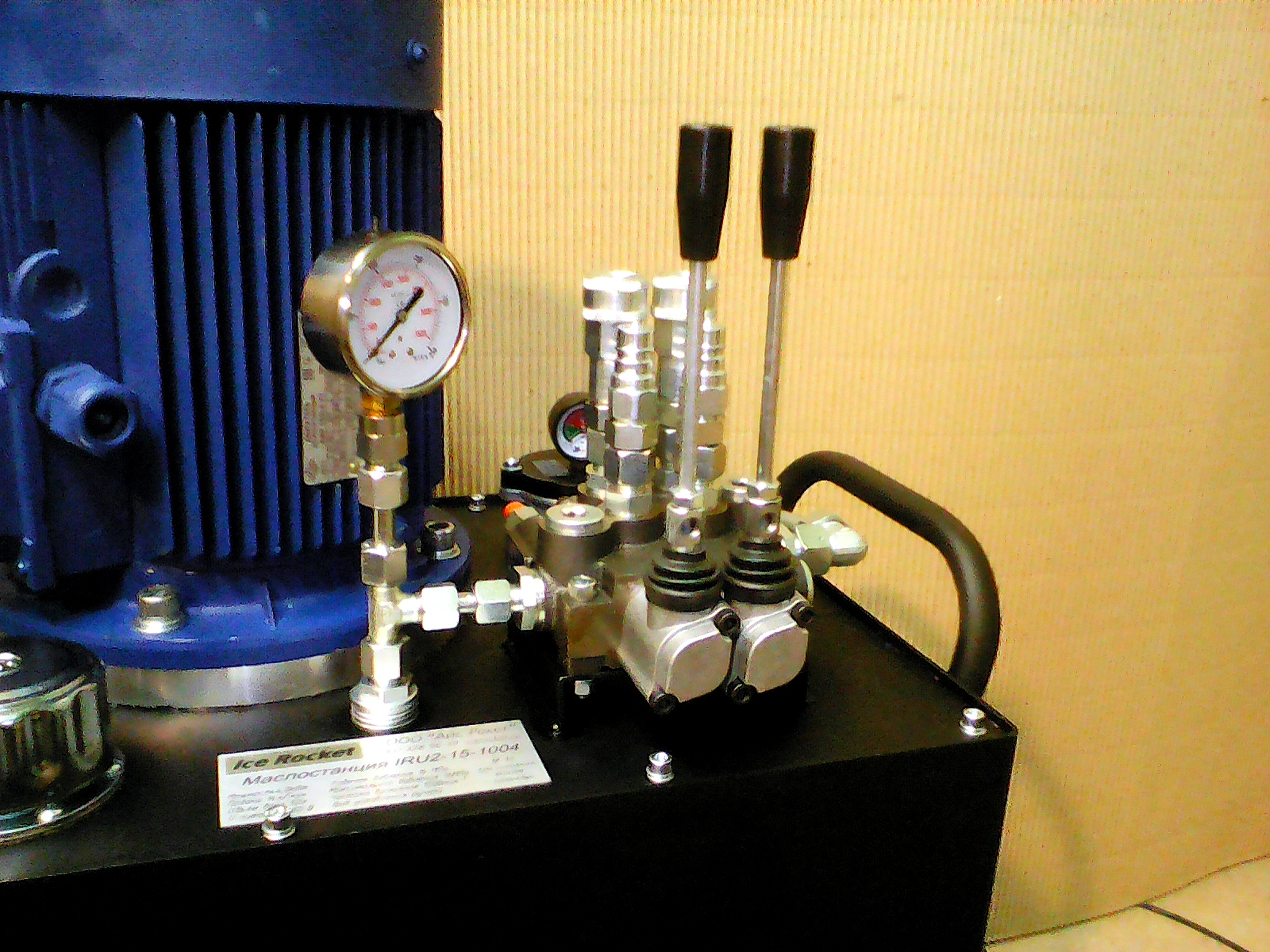 Изготовление, под заказ маслостанция, ICE ROCKET Маслостанции IRS стационарныеМаслостанции IRU с ручным управлениемМаслостанции для подъемного оборудования Маслостанции IRP для прессов: