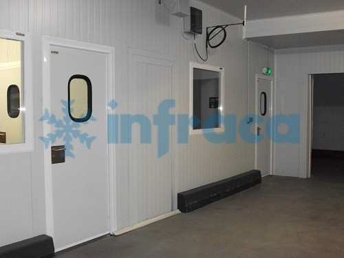 service hinged door