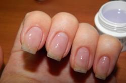 Укрепление ногтевой пластины гелем
