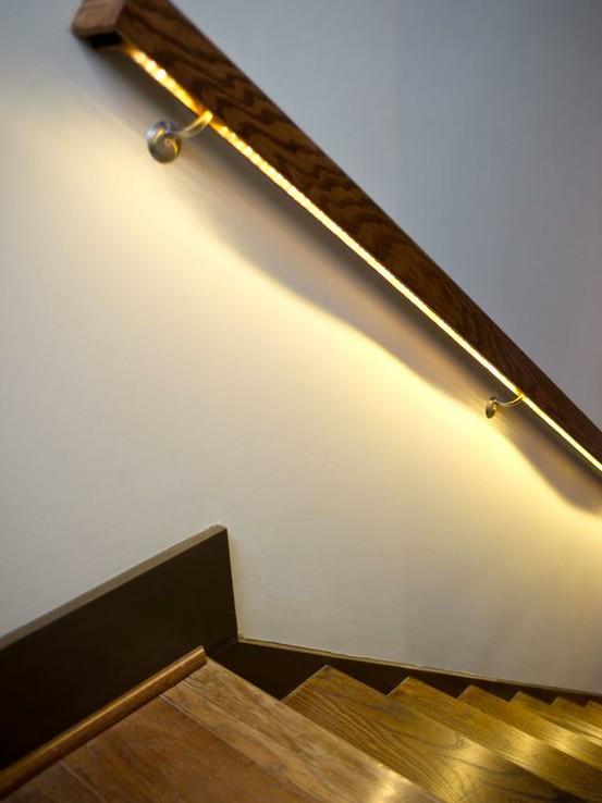Пример использования светодиодных ламп LED дома на лестнице