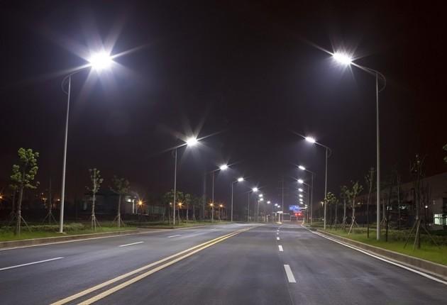 Пример использования светодиодных ламп LED, уличное освещение, дороги