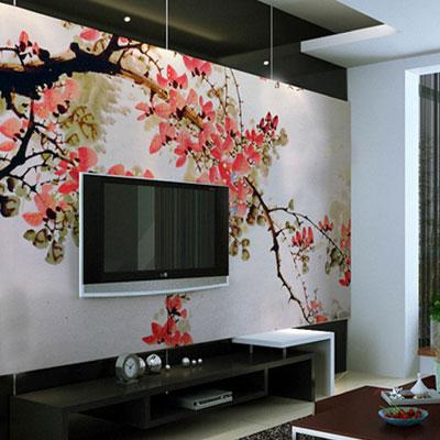 яркая фреска на стене гостиной
