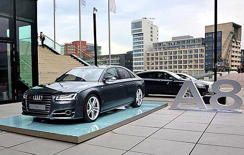 Тест-драйв Audi A8: Свет из матрицы