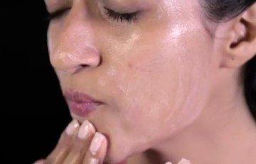 Применение вазелинового масла в косметике