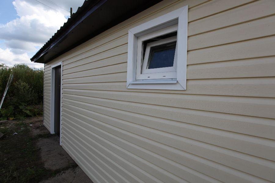 окна и двери дачного гаража