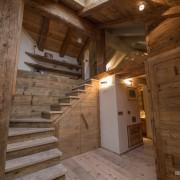 Деревянная лестница без перил