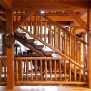 Лестница в деревенском стиле