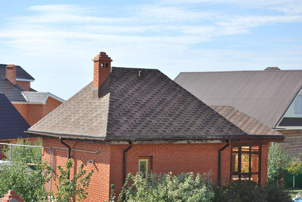 Чем покрыть крышу дачного дома