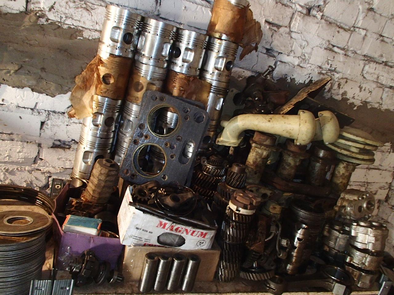 Запасные части к двигателю
