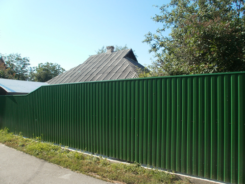 Забор из профнастила в Киевской области