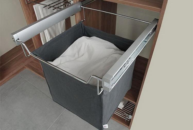 Корзина для белья в шкаф