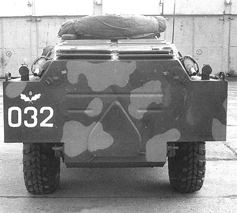 Бронированная разведывательно-дозорная машина БРДМ-2. Вид сзади.