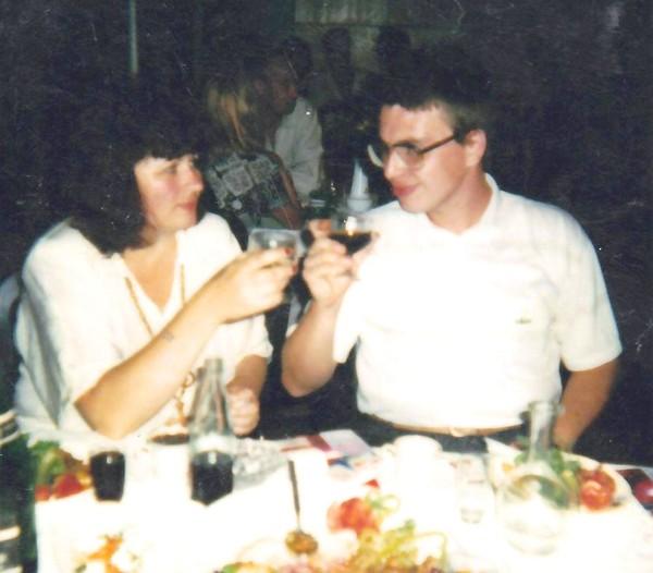 9 августа 1996 года. В ресторане