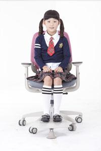 Регулируемая по высоте подножка в креслах Duoflex Kids Combi