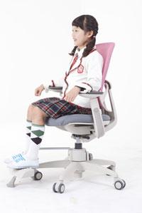 Правильная осанка в креслах Duoflex Kids Combi