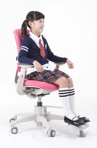 Отсутствие дискомфорта при сидении в креслах Duoflex Kids Mesh