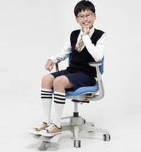 Эргономичные коспьютерные кресла с ортопедическим эффектом для детей