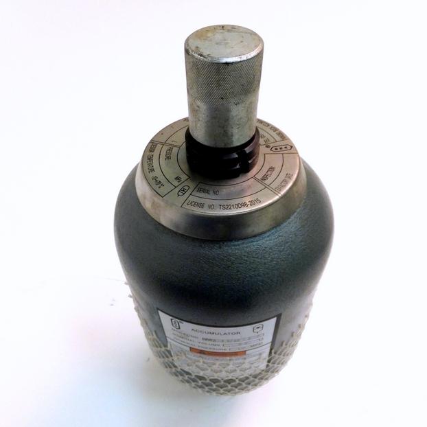 Пневмогидроаккумулятор NXQA-2.5-32-L-Y (АПГ-Б 2,5-320)