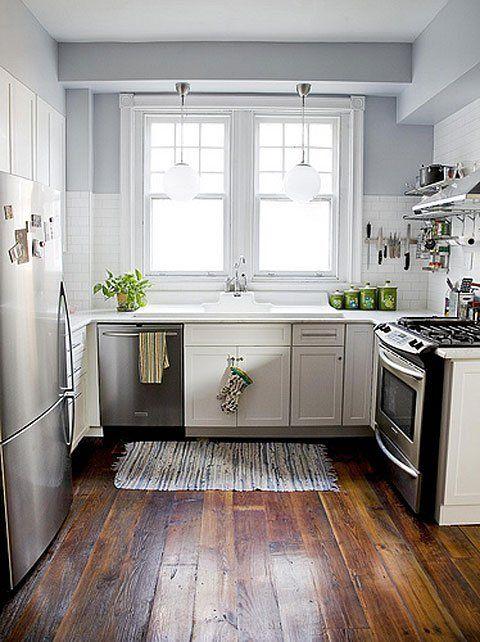 Маленькая кухня в деревенском стиле