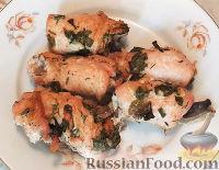 Фото приготовления рецепта: Куриные рулетики с грибами - шаг №13