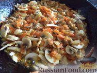 Фото приготовления рецепта: Жаркое из картошки с грибами - шаг №4