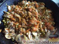 Фото приготовления рецепта: Жаркое из картошки с грибами - шаг №5
