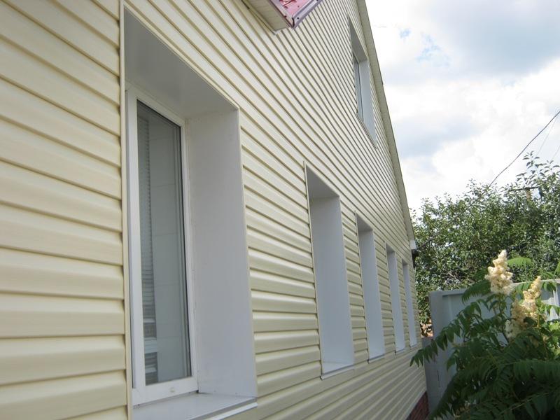 Фасад облицованный виниловым сайдингом