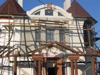 Шпаклювання та фарбування фасаду