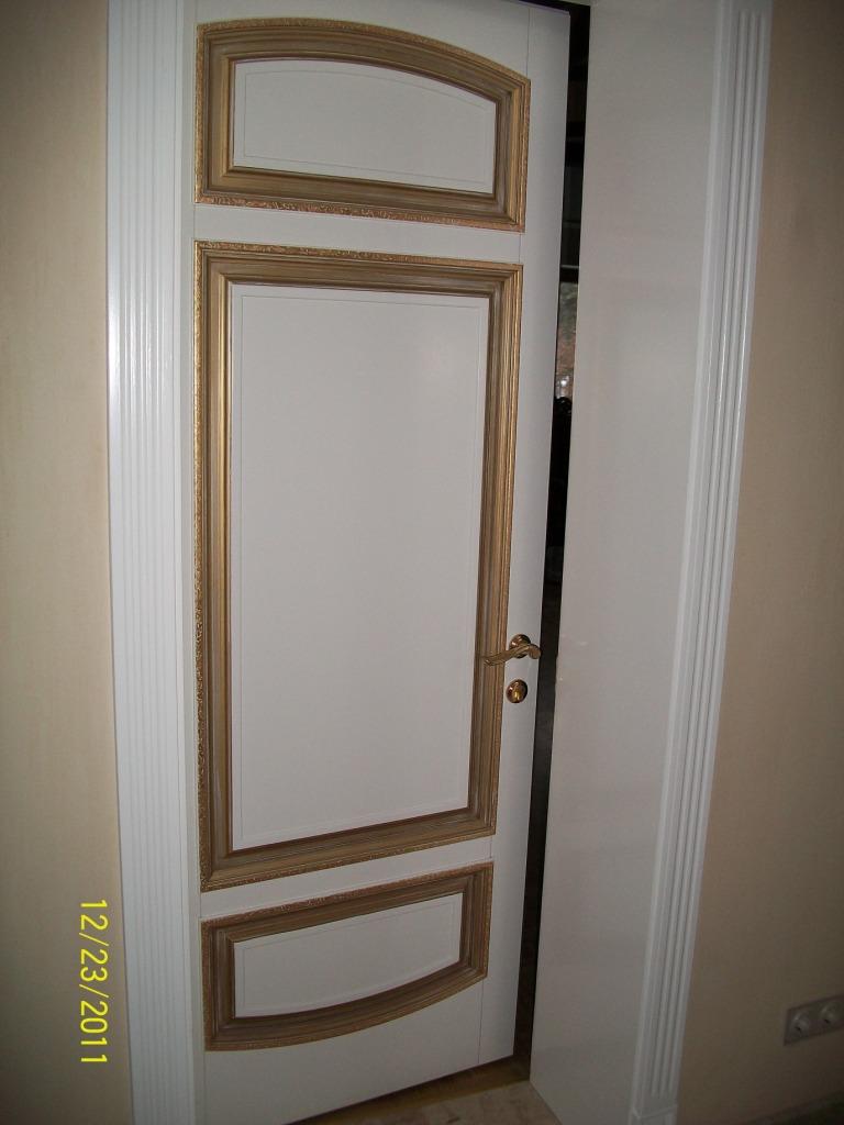 Дубові двері з позолотою