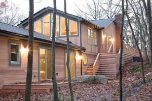 Деревянный дом – прекрасное место для жизни.