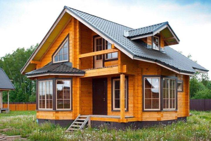 Деревянная дача и пластиковые окна