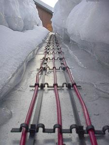 Крепление нагревательного кабеля на крише
