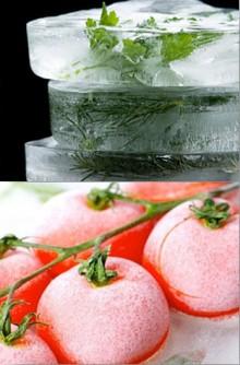 Замороженныепомидоры и зелень.