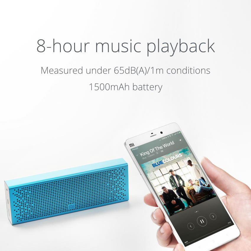 Также самостоятельно проигрывает аудио-файлы с USB-флешки или SD/miniSD/microSD-карты