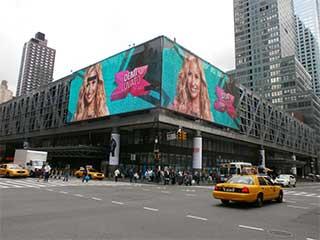 Медиафасад автовокзала Port Authority в Нью-Йорке