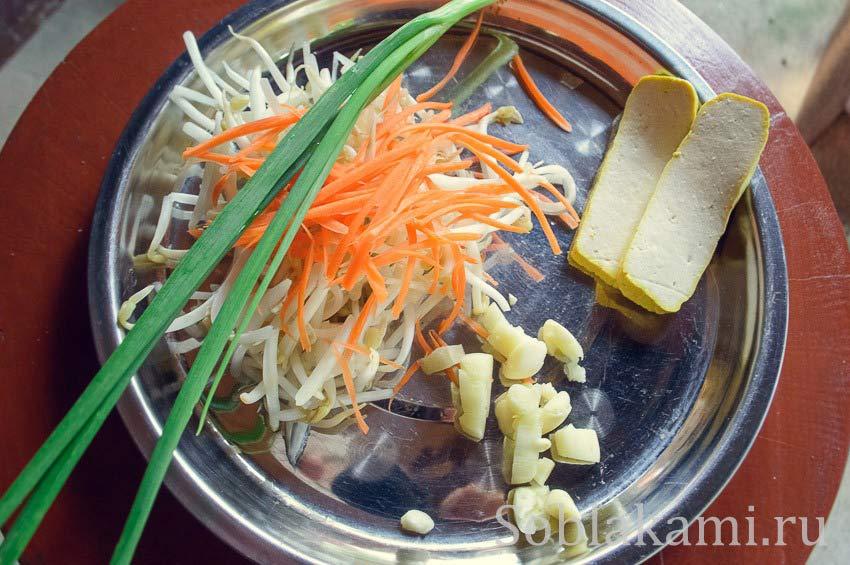 Простой пошаговый рецепт тайской лапши Пад Тай