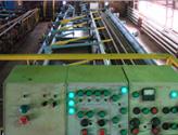Вид с пульта управления комплексом на рабочее место для очистки труб