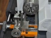 Суппорт и токарный патрон станка D140х250 Vario