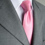 углубление на галстуке